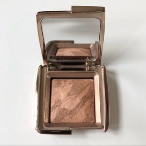 Hourglass 🌼 Ambient Lighting Bronzer